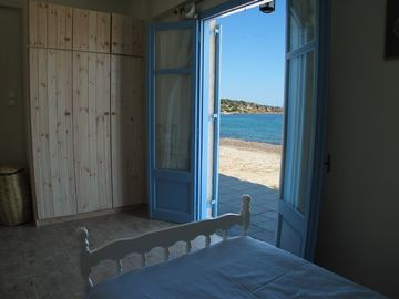 Beach house no 2, twin bedroom