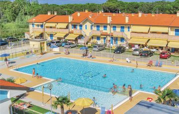 2 bedroom accommodation in Rosolina Mare -RO-