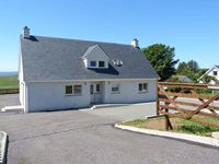 APARTMENT, family friendly, with a garden in Uig, Ref 913145