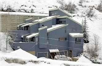 Old Town chalet rental - Our house in the winter....BRRRR!!!! Let's go skiing!