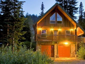 Snoqualmie Pass CABIN Rental Picture