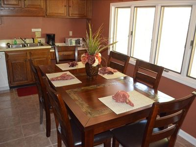 Dining room table with seating for six!
