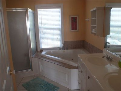 Master Bath: 2 sinks, Separate Shower, Jetted Tub