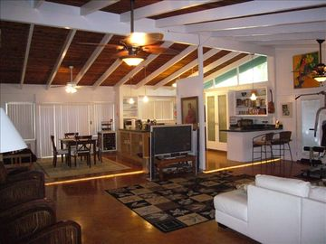 Hauula house rental - Family room