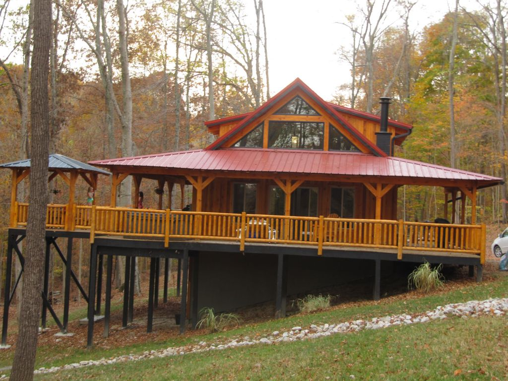Escape to paradise in southern indiana homeaway for Cabins near bloomington indiana