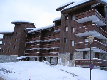Meribel Mottaret apartment rental - Picture of apartment block from road-side