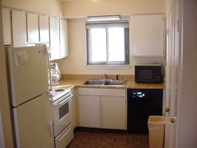 Full Kitchen with washer and dryer