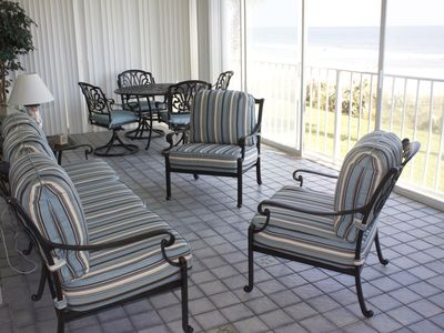 Enjoy coffee or a cocktail on your lanai!