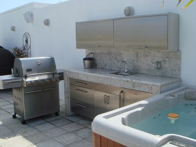 Stainless Steel Outdoor Kitchen