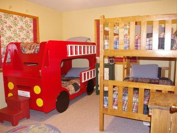 Fire engine bunk bed with additional bunk bed (four regular twin size beds)