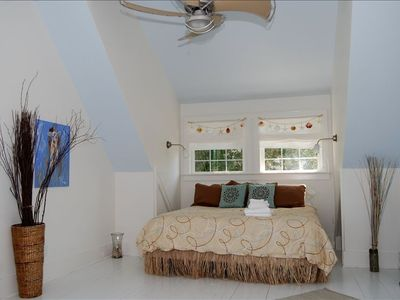 Master Bedroom with King superb Ocean views and HDTV