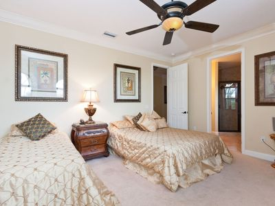 Master suite with Queen and twin beds