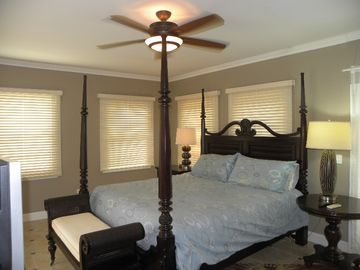 Master Suite 1st Floor, King Bed