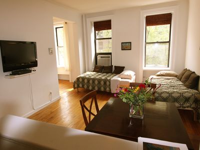 East Village apartment rental - LIVING ROOM