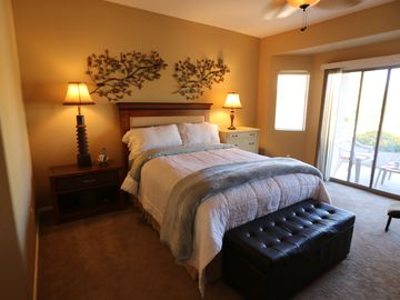 Queen Creek house rental - Master bedroom w/bay to covered patio for morning to late evening enjoyment