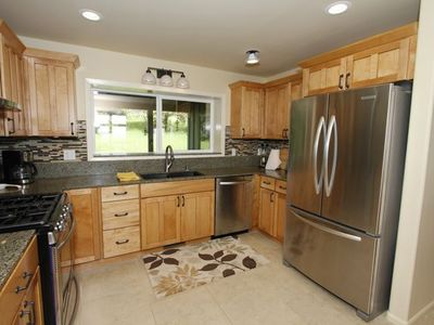 Perfect for entertaining kitchen. All stainless steel appliances.