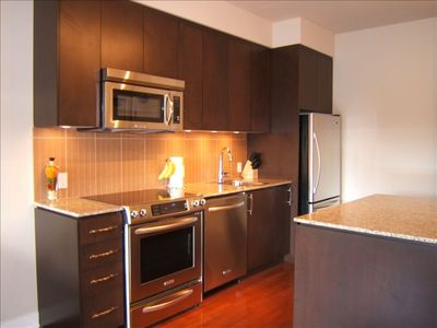 Delux, Granite & SS Appl. Fully equipped Kitchen, with Toaster, & Coffee-maker