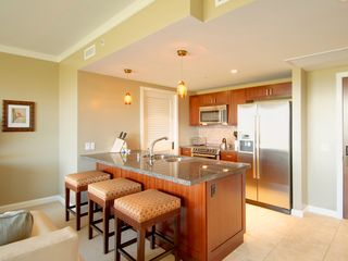 Lahaina condo photo - Additional dining seating or wet bar
