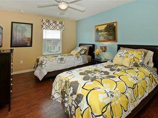 Crystal Cove villa photo - twin bedroom with 2 twin beds