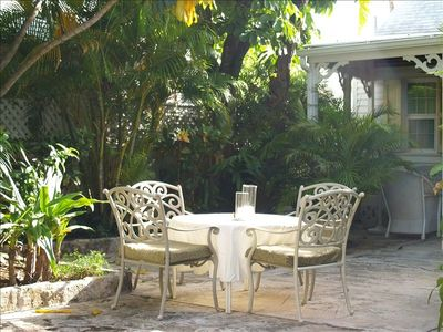 Outdoor Dining in Lush Garden