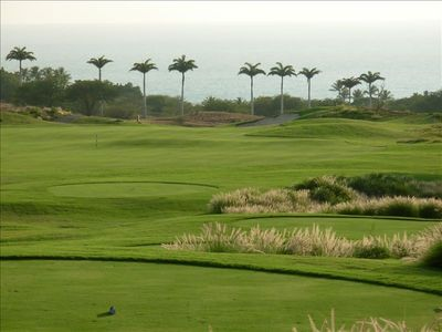 Golfing at famed Hapuna Prince beckons...