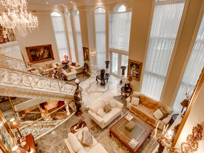The White Mansion -- Luxury at its Best