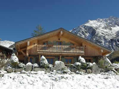 Chalet des Celts:4 bed traditional family chalet, ski-in with spectacular views!