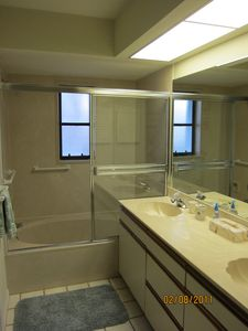 Vacation Homes in Marco Island villa rental - Master Bath