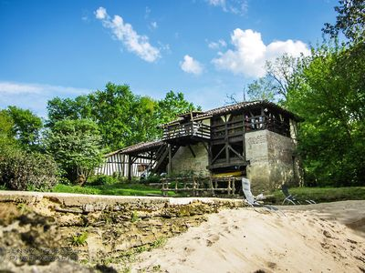 MILL, UNUSUAL GITE IN RIVER BORDER WITH SWIMMING POOL AND RUSSIAN SAUNA