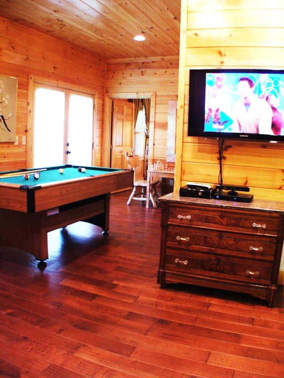 pool table, chess games and wii