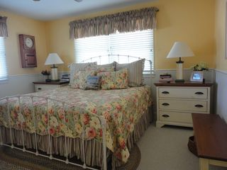 Avalon cottage photo - First floor master bedroom with desk and television
