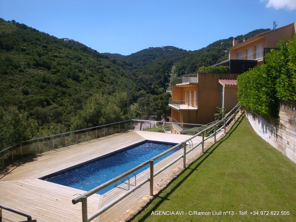 House With Swimming Pool 500 M Beach Homeaway Begur