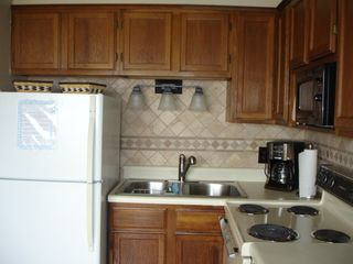 Carolina Beach condo photo - Pretty and Clean Kitchen
