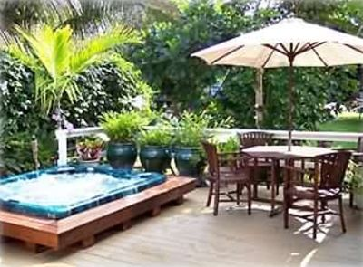 Secluded Tropical Lanai with 8 person Hot Tub