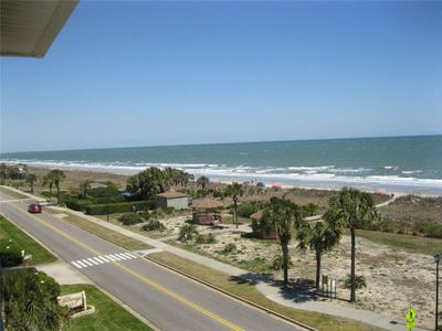Pet Friendly and Oceanfront View! Wow! Pool onsite
