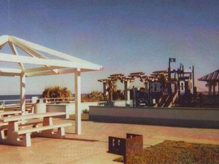 Ormond-by-the-Sea house photo - Public park/beach child friendly access area-ONLY 5 HOUSES AWAY!