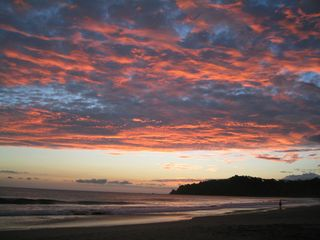 Manuel Antonio villa photo - Sunsets are guanteed to satisfy the romantic in all of us!