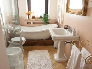 Collazzone farmhouse photo - Ensuite Bath #1