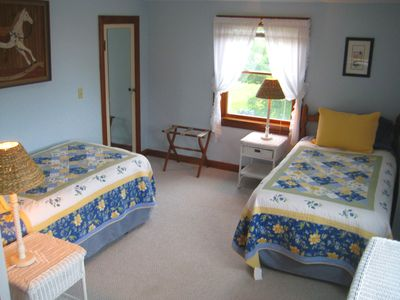 Newport house rental - 2nd floor 'Sky' bedroom with 2 twins, bunk beds, dresser. Sleeps 4.