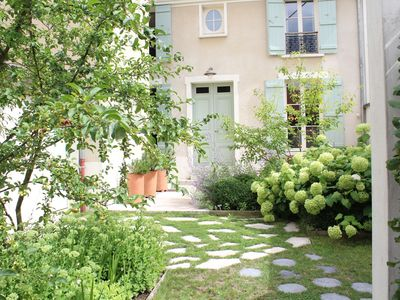 Rental of a house and a studio in Dormans
