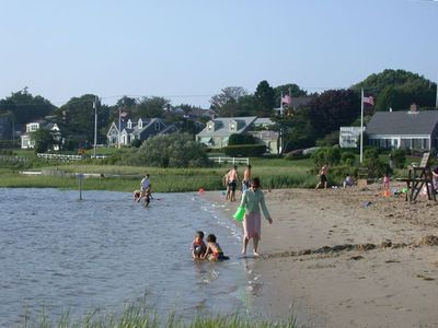 Oyster Pond Children's Beach-Free Parking & Lifeguards