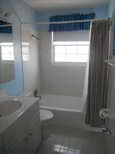 Bathroom - also with ocean views!