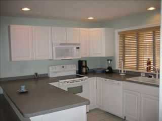 Vacation Homes in Ocean City townhome photo - Kitchen