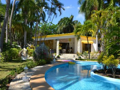 Fantastic cottage with direct access to the Caribbean Sea!