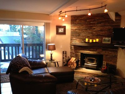 Modern, cozy, and ready for you to come up and relax. Enjoy the fireplace!