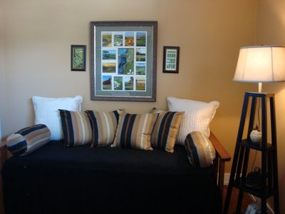 Jacksonville Beach studio rental - Trundle bed when it is put away
