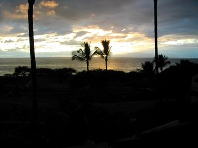 Another Maui sunset from grassy hill