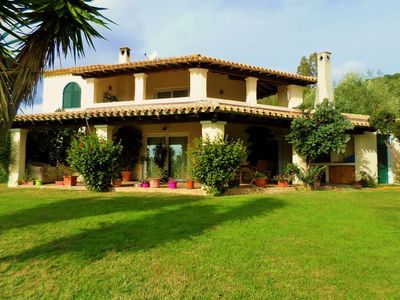 4 rooms. 2 km from the beaches of chia. rifinitissima. equipped. max privacy
