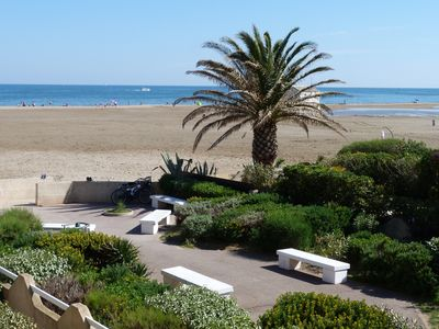 2 bedrooms with sea view and direct beach access and swimming Gruissan
