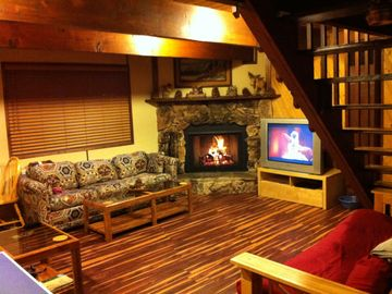 Big Bear City cabin rental - living room